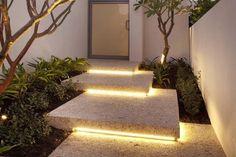 Diseños de entradas con escalones ¡Se ven con mucho estilo! #iluminaciondeinteriores