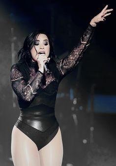 Demi Lovato Daily : Photo Demi Lovato Body, Demi Lovato Style, Demi Lovato Live, Demi Love, Demi Lovato Pictures, Queen, Woman Crush, Beautiful Celebrities, Role Models