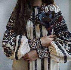 Сокальщина Folk Fashion, Ethnic Fashion, Womens Fashion, Folk Embroidery, Modern Embroidery, Learn Embroidery, Embroidery Ideas, Looks Style, My Style