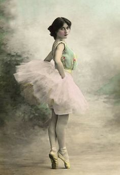 So beautiful :) bumble button: Ballet dancer from late 1800's from an antique postcard.