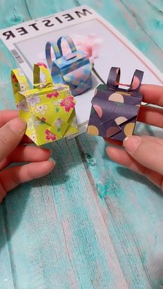 Diy Crafts Hacks, Diy Crafts For Gifts, Diy Arts And Crafts, Diy Crafts Videos, Fun Crafts, Barbie Dolls Diy, Diy Doll, Paper Crafts Origami, Paper Crafts For Kids