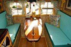 Surfboard table What an awesome idea! Caravan Vintage, Caravan Bar, Vintage Travel Trailers, Vintage Campers, Surfboard Table, Travel Camper, Surf Shack, Beach Shack, Tiki Decor