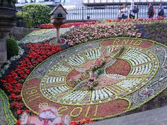 Edinburgh - Floral Clock in Princes Street Gardens by smjbk, via Flickr  This is what it looked like about the time we were there. ♥