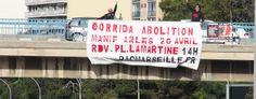 Manifestation statique en Arles place Lamartine le dimanche 20 avril 2014 en pleine féria de Pâques. - See more at: http://www.fondationbrigittebardot.fr/http%3A//www.fondationbrigittebardot.fr/participer-a-une-manifestation/arles-2014#sthash.2gGjJcw6.dpuf    Fondation Brigitte Bardot