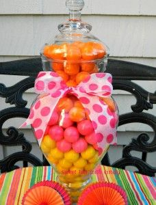 bubblegum centerpiece...how cool...with green & white gum balls though!