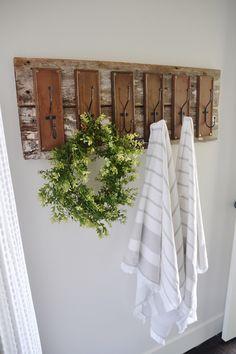 DIY rustic bathroom coat hooks- great DIY towel rack/towel bar for the bathroom or an entryway hooks!