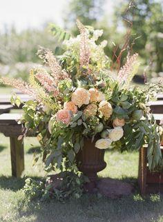#centerpiece  Photography: Zoe Lonergan - www.zoelonergan.com  Read More: http://www.stylemepretty.com/2014/02/10/hood-river-orchard-wedding/