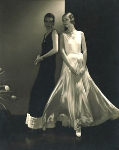 Marion Morehouse with unknown model in Vionnet  dresses (1930). Photo by Edward Steichen.