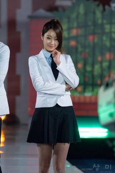 NINE MUSES - Park KyungRi #박경리 #경리 In school uniform fashion show 130828 #나인뮤지스 세얼간이 촬영현장 스타킹 패션 각선미 #교복