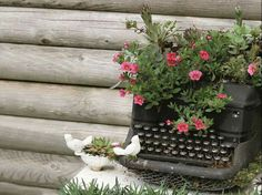 Do it yourself ideas and projects: 28 Creative DIY Ideas To Recycle Old Furniture Into An Enchanted Garden Old Furniture, Recycled Furniture, Garden Furniture, Furniture Ideas, Recycled Garden, Most Beautiful Gardens, Ways To Recycle, Repurpose, Garden Architecture