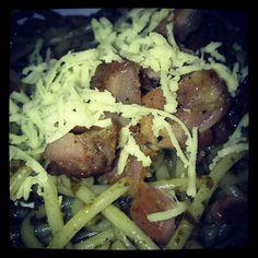 Pesto pasta @redmix - @jellyvince- #webstagram