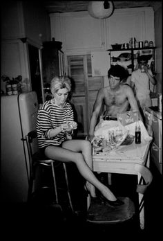 Edie Sedgwick, Roger Trudeau, and Rene Ricard on the set of 'Kitchen' in Bud Wirtschafter's apartment, NYC, spring 1965 #ediesedgwick #andywarhol #warhol #sixties #sixtiesinteriors #creativeinteriors #artists #apartment #vintage