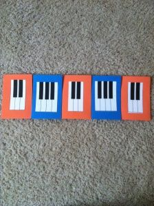 piano pattern cards activity for the first piano lesson--- i like this game, however i pinned more for the blog! This has some great ideas to help with lessons.