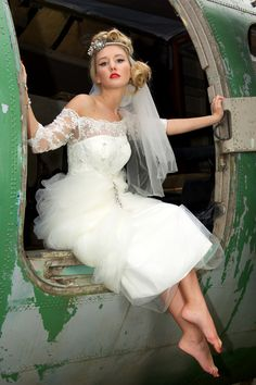 Vintage lace and tulle short wedding gown   House of Mooshki