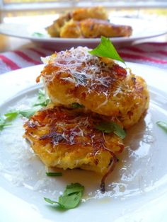 Spicy Spaghetti Squash Fritters - great fall appetizer and they are gluten-free!