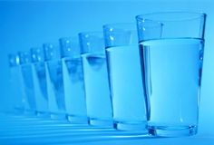1. Drink one glass of water every hour. It will make you feel full. 2. Drink ice cold water. Your body will burn calories just getting the water to a normal temperature to digest. Also it is great for your complexion. 3. Drink 3 cups of green tea daily. It will help boost your metabolism, plus its anti-oxidants make your skin look great. 4. Take vitamins daily. Do not take vitamins on an empty stomache, otherwise they have nothing to catalyze with. 5. Eat ice or gum when hungry. This will…