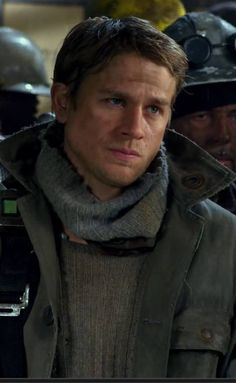 Charlie Hunnam kinda looks like the real life version of Kristoff