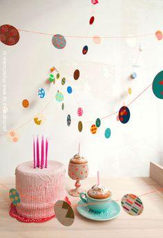 Papieren confetti slinger neon - Engelpunt - BijzonderMOOI* - Dutch design