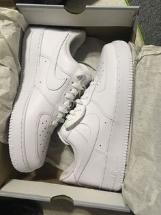 Air Force for Sale in College Station, TX - OfferUp Cute Nike Shoes, Cute Nikes, Nike Shoes Air Force, Nike Air Force Ones, Tenis Air Force Branco, Tenis Nike Jordan, Winter Outfit For Teen Girls, White Tennis Shoes, Aesthetic Shoes