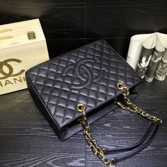 http://www.chics.pw/2017/01/11/chanel-gst-black-ball-silver-and-gold/