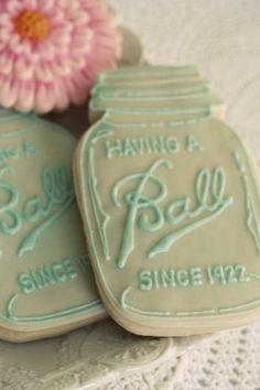 These mason jar cookies are amazing. - Mason Jar Cookies via Kara's Party Ideas Mason Jar Party, Ball Mason Jars, Macarons, 50th Wedding Anniversary, Anniversary Parties, Anniversary Ideas, Silver Anniversary, Diamond Anniversary, 50th Anniversary Cookies