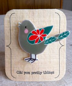 Broche oiseau gris et bleu de printemps sur Etsy, 8,12€