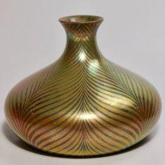 Zsolnay art nouveau / secession eosin vase with Tiffany decor from 1903 Louis Comfort Tiffany, Art Deco Design, Pottery Art, American Art, Happy Life, Vases, Art Nouveau, Glass Art, Ceramics