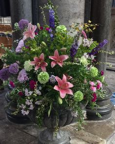 Summer flowers in the cathedral#Salisbury cathedral #flower team#ancient stone