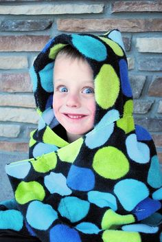 Here's a very easy and basic hooded towel tutorial to make hooded towels for baby, toddlers, preschoolers and kids.