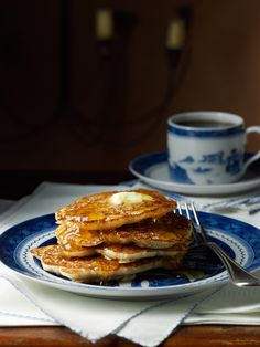 Hoecakes. Yeast, white cornmeal, salt, egg, honey or maple syrup, butter.George Washington's Mount Vernon