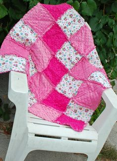 Hey, I found this really awesome Etsy listing at http://www.etsy.com/listing/162284374/pink-and-ivory-owl-baby-girl-rag-quilt