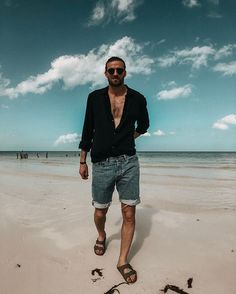 Summer Outfits Men, Male Feet, Spring Looks, Streetwear Fashion, Beautiful Men, Street Wear, Mens Fashion, My Style, Short Men