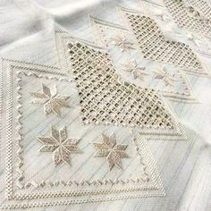 Hardanger Embroidery, Quilts, Blanket, Crochet, Boys, Instagram, Straight Stitch, Diy And Crafts, Driveways