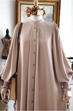 Modest Fashion Hijab, Abaya Fashion, Skirt Fashion, Fashion Outfits, Mode Abaya, Mode Hijab, Moslem Fashion, Muslim Women Fashion, Sleeves Designs For Dresses