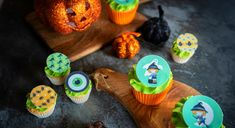 Edible Halloween toppers on rice paper or icing from www.edibilis.co.uk