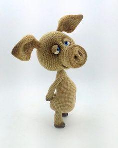 Хрюшки, кабаны, поросята. Мастер-классы – ВЯЗАНИЕ для ХОМЯКОВ Crochet Pig, Crochet Animal Amigurumi, Crochet Animal Patterns, Crochet For Boys, Amigurumi Patterns, Amigurumi Doll, Crochet Animals, Crochet Crafts, Crochet Dolls
