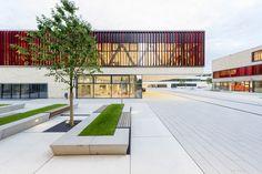 Galeria de Universidade de Ciências Ruhr West / HPP Architects + ASTOC - 2