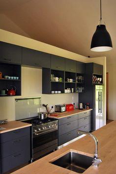 #Projects #kitchen #Melamine #breakfastbar #solidwood #twotone #dropinsink design: #Lyall