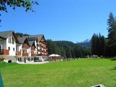 l'Hotel Sole di Bellamonte, gestito da 5 mamme