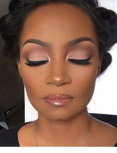 Eyelash extensions: what you should know before you start! - My Afro make-up . - Eyelash extensions: what you should know before you start! – My Afro dressing table Informations A - Pretty Makeup, Love Makeup, Makeup Inspo, Makeup Inspiration, Makeup Ideas, Amazing Makeup, Makeup Tutorials, Simple Makeup, Makeup Is Art