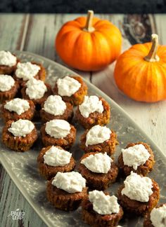 Pumpkin Pie Bites (paleo, gluten free, no flours of any kind!) Pumpkin Pie Bites (paleo, gluten free, no flours of any kind! Paleo Dessert, Paleo Sweets, Gluten Free Desserts, Dessert Recipes, Quick Dessert, Healthy Desserts, Dinner Recipes, Paleo Pumpkin Pie, Pumpkin Recipes