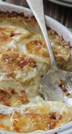 Four Cheese Garlic Scalloped Potatoes Gilbert Realtor Bill Salvatore with Arizona Elite Properties Vegetable Dishes, Vegetable Recipes, Scalloped Potato Recipes, Potato Side Dishes, Yummy Food, Tasty, Side Dish Recipes, I Love Food, Food Dishes