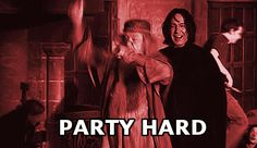 When it's Saturday night and the plans are fire. | 24 Hilarious Harry Potter GIFs For Every Situation