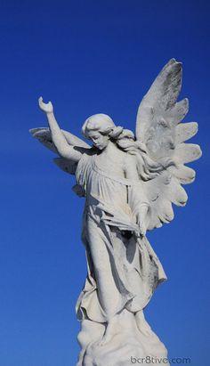 Angel statue by ~Sleepwalker