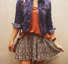 Cute!  Nice outfit for the summer!