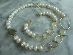 Perlenketten - Collier Perle Armband KetteTahiti Set Mondstein - ein Designerstück von TOMKJustbe bei DaWanda