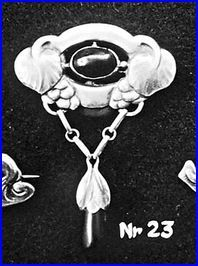 Evald Nielsen. Design no 23, from his first catalogue, containing 30 designs. Skonvirke brooch.