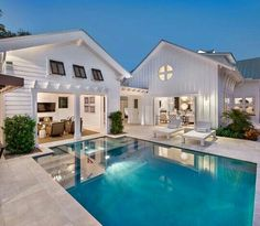 Indeed, people build pool house add beauty value to the owner's property. Find out most popular Pool House Ideas around the net here! Modern Farmhouse Exterior, Farmhouse Chic, White Farmhouse, Farmhouse Ideas, Farmhouse Landscaping, Pool Landscaping, Farmhouse Design, Strand Design, Stommel Haus