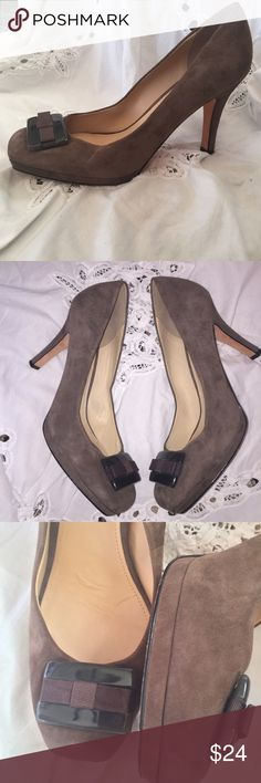 """Boutique 9 Cream Color Suede Pumps Size 9.5 Size 9.5 square toe beautiful Suede heels with black hard plastic bow  Leather sole  Very good condition  Padded comfort insole - 4"""" heel  Smoke free pet free home 🏡 Joan & David Shoes Heels"""