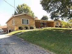 real estate photo 2 for 10604 Mill Rd Springfield Twp., OH 45240asking 179900; sold for 178,000